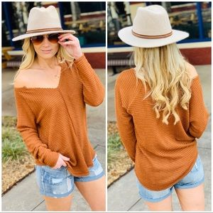 CASUAL FRIDAY WAFFLE KNIT TOP-CAMEL